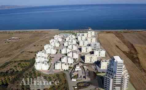 3 комнатная квартира  на берегу песочного пляжа, непрерывные виды моря и гор!