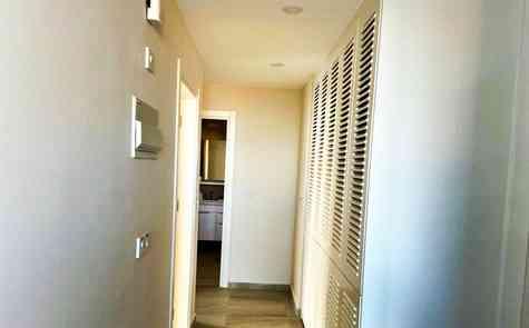 Двух спальный апартамент на втором этаже в комплексе закрытого типа возле пляжа Искейп