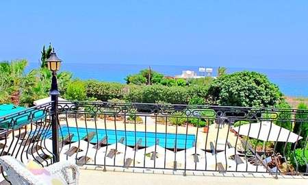 villa by the sea - AllianceEstate