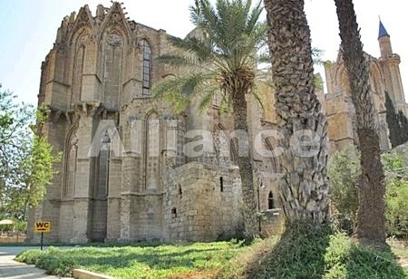 замок Беллапаис в Кирении